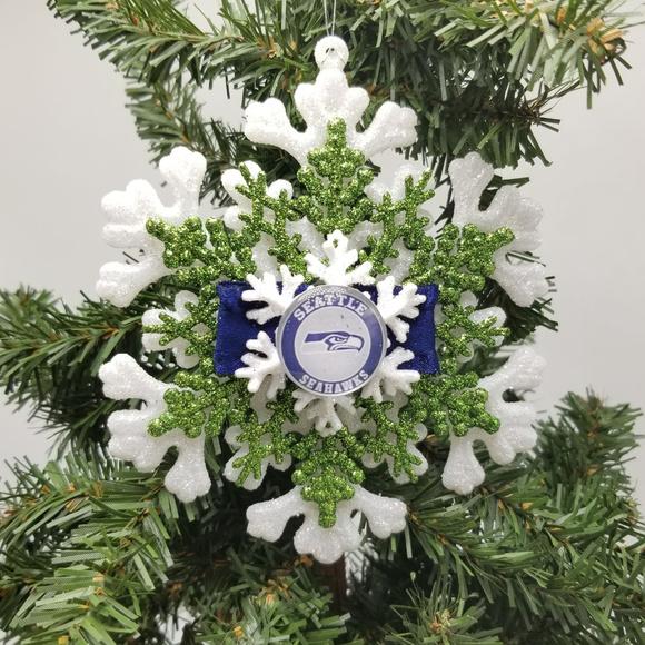 Seahawks Christmas Tree.Nwt Seattle Seahawks Christmas Ornament Nfl Wilson Nwt